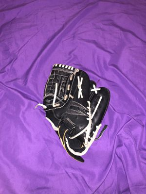 Baseball glove mizuno for Sale in Dearborn, MI