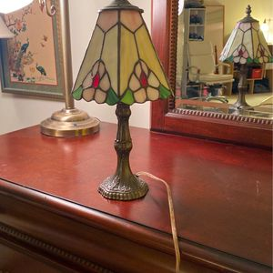 Antique stained glass Tiffany lamp for Sale in Laurel, MD