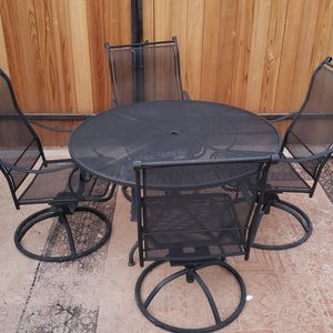Patio Table And Chairs for Sale in Mesa, AZ