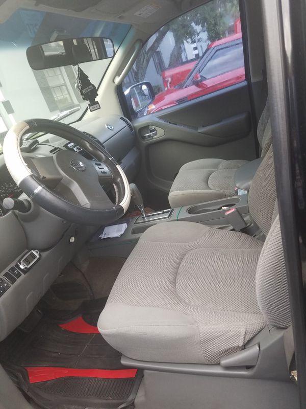Nissan frontier mil 164 corre vien no tiene problemss v6 automático transición buen estado