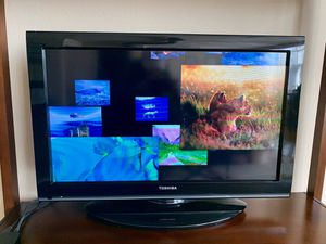 "Toshiba 32"" TV for Sale in Dallas, TX"