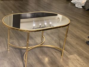 New Gold mirror table for Sale in Aurora, CO