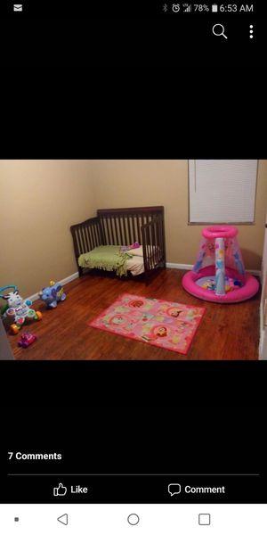 3 in 1 baby crib for Sale in Detroit, MI