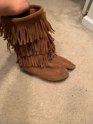 Minnetonka Fringe boots for Sale in Austell, GA