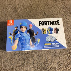 IN HAND US EDITIONNintendo Switch Fortnite Wildcat Bundle W CODE & 2000 VBUCKS. for Sale in Lakeville, MN