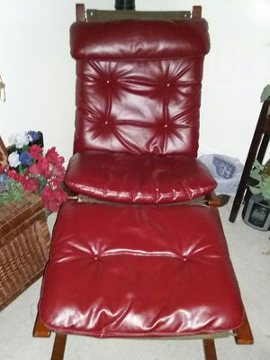 Chair and foot rest for Sale in Waterloo, IA