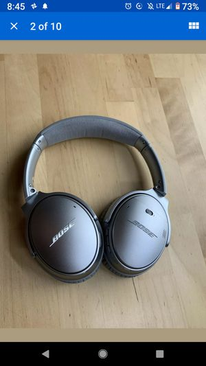 BOSE-QuietComfort 35 II wireless headphones- Silver for Sale in Brooklyn, NY