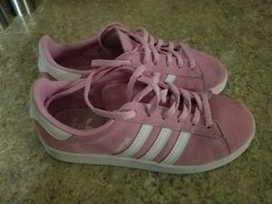 Adidas Pink Suede Campus Sneakers Girl's Size 3 US for Sale in Howell Township, NJ