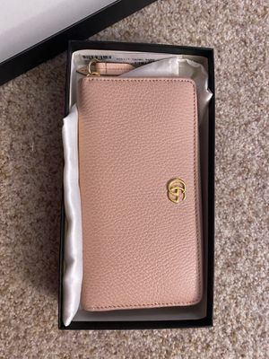 gucci leather zip around wallet pink for Sale in Irving, TX