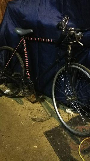 Schwinn 700 series bike for Sale in Klamath Falls, OR