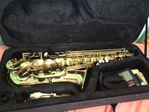 Medini alto saxophone for Sale in Dearborn Heights, MI