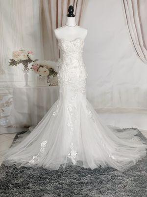 Strapless white floral mermaid wedding dress, size 0-2 for Sale in Davie, FL