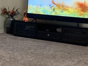 Tv Samsung size 65 for Sale in Lincoln, NE