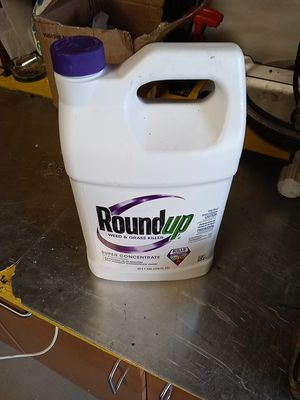 Roundup weed killer for Sale in Moreno Valley, CA