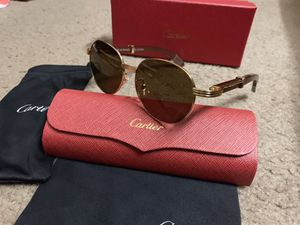 C brown wood sunglasses for Sale in Milpitas, CA