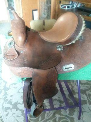 "Double T 15"" barrel saddle for Sale in Fort Pierce, FL"