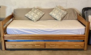 Twin Daybed/Toddler Bed with Twin Trundle Beneath for Sale in Chillicothe, IL