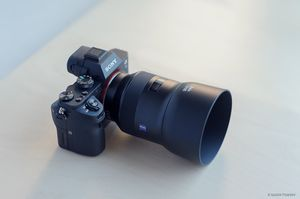 Zeiss Batis 85mm lens - LIKE NEW for Sale in Alamo, CA
