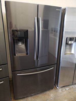 SAMSUNG REFRIGERATORS BLACK STAINLESS STEEL for Sale in Houston, TX