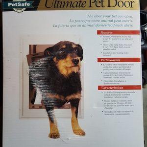 *PETSAFE*~ Ultimate Pet Door~ (medium) for Sale in Ravensdale, WA