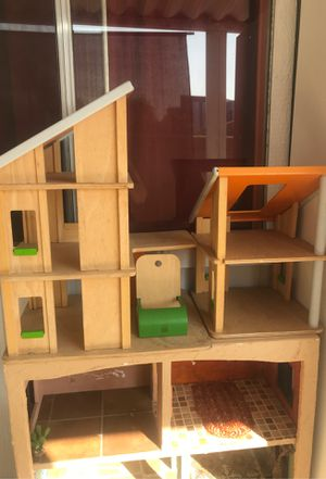 Free plan toys wooden doll house for Sale in Riverside, CA