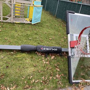 """Basketball Hoop Goliath 60"""" for Sale in Rockville Centre, NY"""
