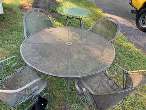 5 piece patio table chairs set for Sale in Rockville, MD