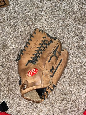 Used Rawlings 12 3/4 inch baseball glove for Sale in Magnolia, DE