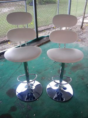 white faux leather adjustable swivel bar stool for Sale in Fort Meade, FL