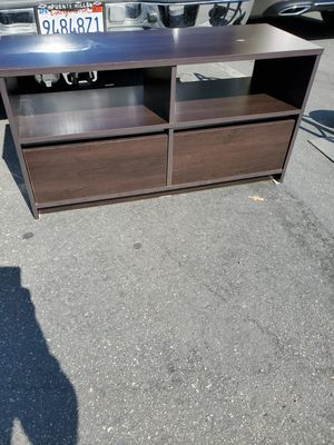 Tv sand with 2 drawers for Sale in Ontario, CA