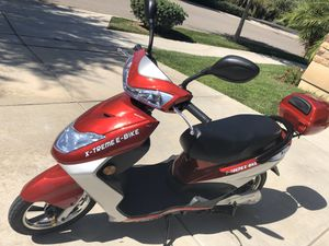 X-Treme XB-504 Electric Bicycle Moped with Rear Storage Box for Sale in Escondido, CA