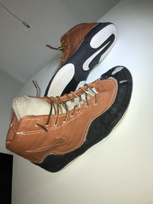 Wrestling shoes / boxing shoes for Sale in Romeoville, IL
