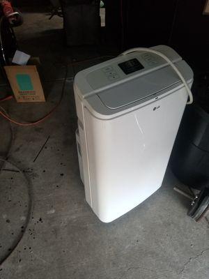 Portable LG AC unit for Sale in Stockton, CA