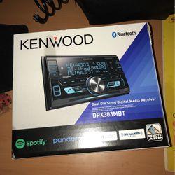 Kenwood Radio for Sale in Bohemia,  NY