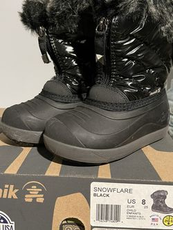 Kid Size 8 Kamik Snowflare Charcoal Snow Boots for Sale in Pasadena,  CA