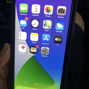 11 iPhone Pro Max for Sale in Madera, CA