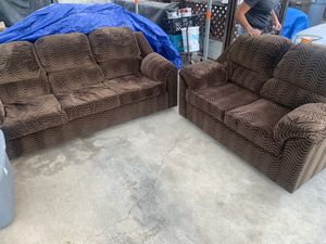 Like new , sofa love seat for Sale in La Verne, CA