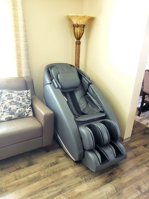 Massage Chair Human Touch NOVO XT2, 3D, One Size, Gray (NEW) for Sale in Auburn, WA