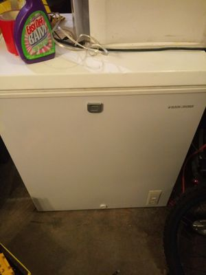 Black & Decker 9 month old deep freezer for Sale in Galloway, OH