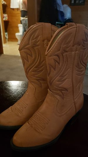 Girls size 3 boots almost new! for Sale in Loudon, TN