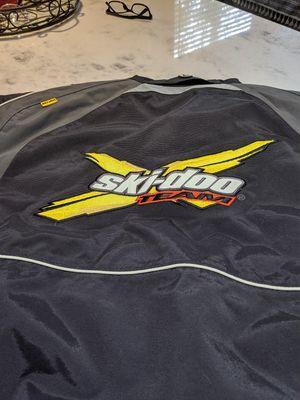 Men's Ski-doo jacket for Sale in Buckley, WA