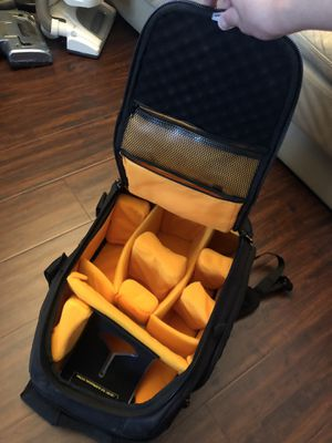 Photographer Videographer CASE LOGIC DSLR PROFESSIONAL BAG LAPTOP SLEEVE LENS CARRIER for Sale in Placentia, CA