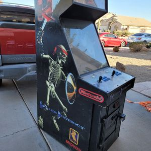 Original Killer Instinct Arcade Cabinet (NO GAME) for Sale in Gilbert, AZ