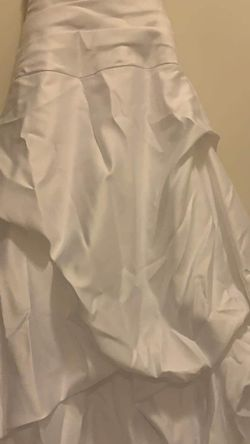 Wedding Dress And Veil for Sale in Humble,  TX