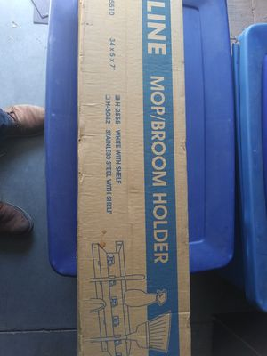Mop. Broom holder. 50 por los dos for Sale in Yuma, AZ