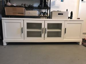 White TV stand with 4 cabinets for Sale in Oakland Park, FL
