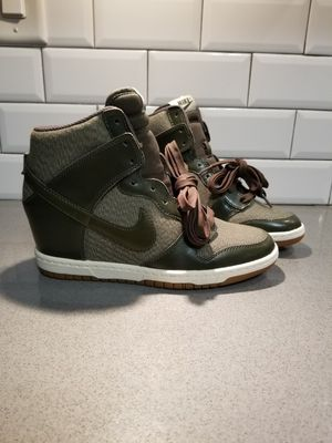 Nike Women's Dunk Sky Hi for Sale in Addison, IL