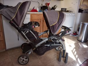 Sit and stand stroller for Sale in Columbus, OH