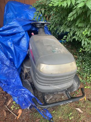 Riding lawn mower for Sale in Lakewood, WA