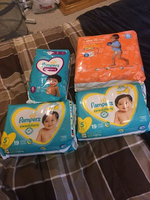 Diapers Sz 5 & 6 for Sale in Sharon, MA